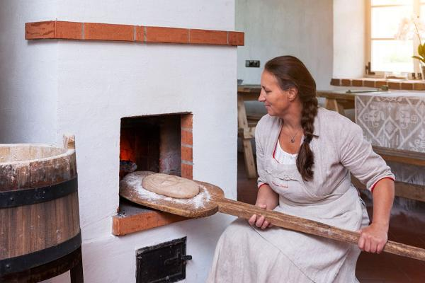 """Hellenurm Watermill programme """"From water to bread or making flour in a mill and bread in a bakery"""""""