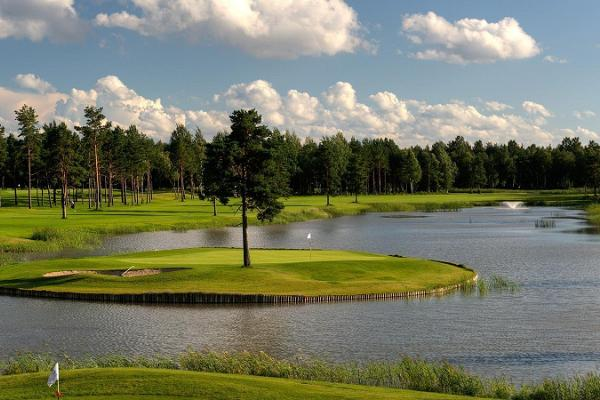 Unlimited golf at Niitvälja with accommodation at Hotel Euroopa (2 nights)